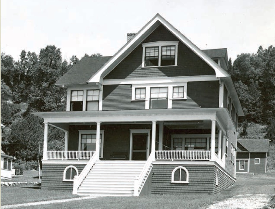 Original Photo of Clubhouse